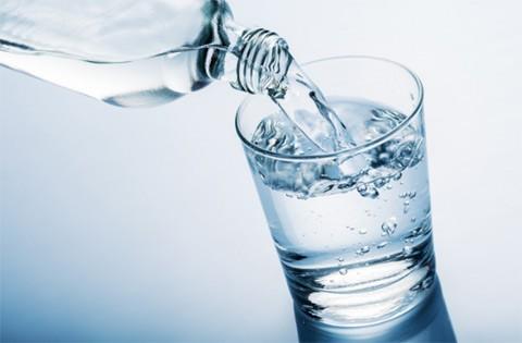 10 lợi ích sức khỏe tuyệt vời của nước khoáng ảnh 1