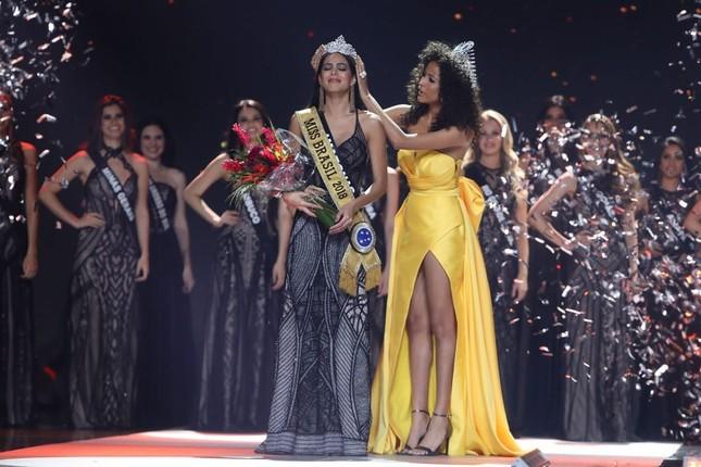 Người đẹp 26 tuổi đăng quang Hoa hậu Brazil 2018 ảnh 6