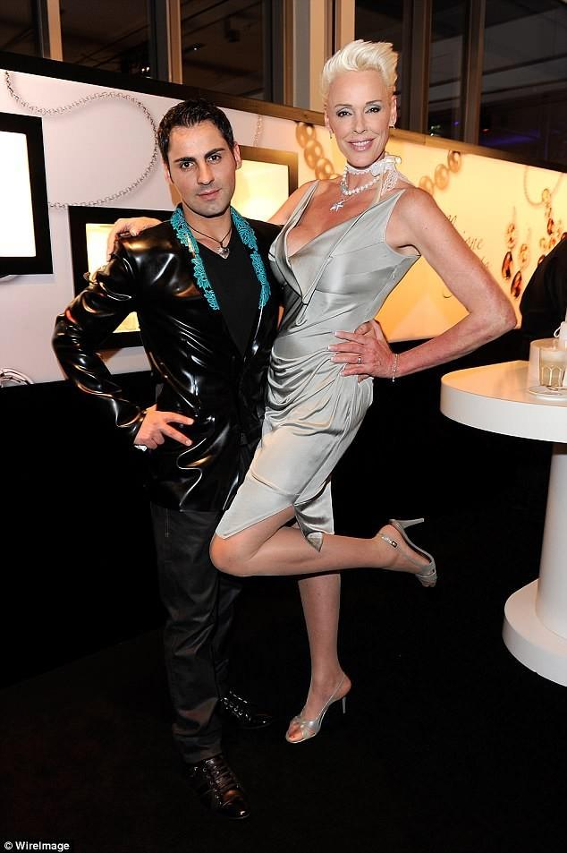 Vợ cũ 'người hùng cơ bắp' Sylvester Stallone sinh con ở tuổi 54 ảnh 4