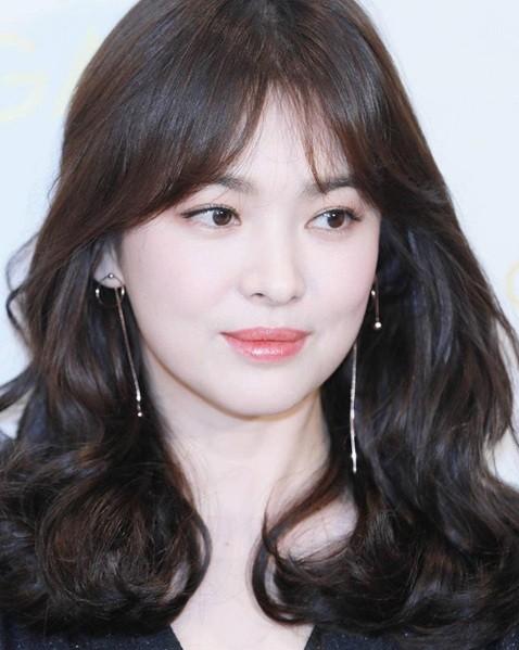 Gần 40 tuổi, Song Hye Kyo vẫn trẻ đẹp như búp bê ảnh 14