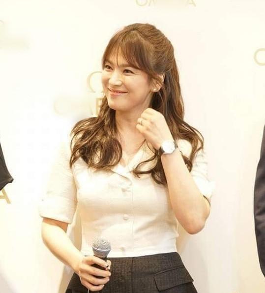 Gần 40 tuổi, Song Hye Kyo vẫn trẻ đẹp như búp bê ảnh 8
