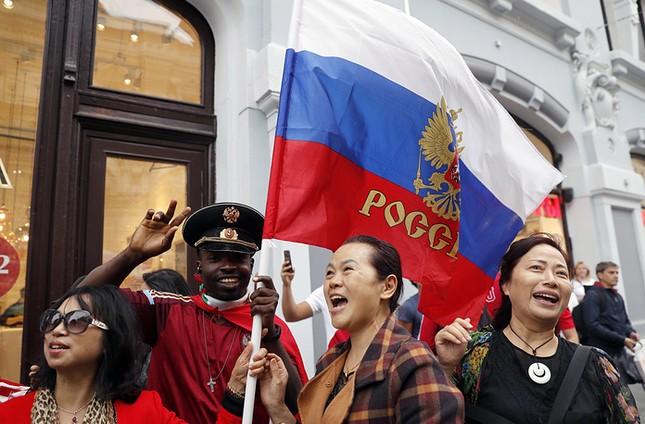 Moscow nhiệt cuồng không khí World Cup trước giờ khai mạc ảnh 10