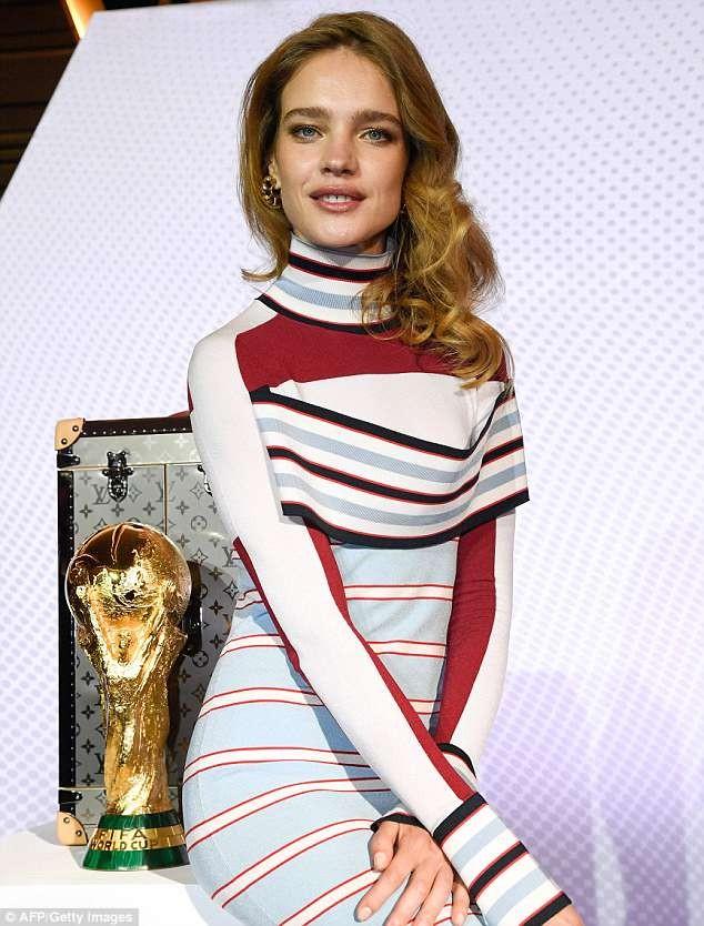 Tiết lộ về 'bóng hồng' Nga mở khóa vali đựng cúp vàng World Cup ảnh 4