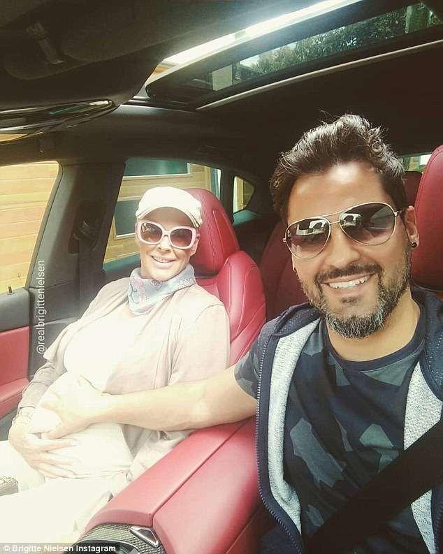 Vợ cũ 'người hùng cơ bắp' Sylvester Stallone sinh con ở tuổi 54 ảnh 5