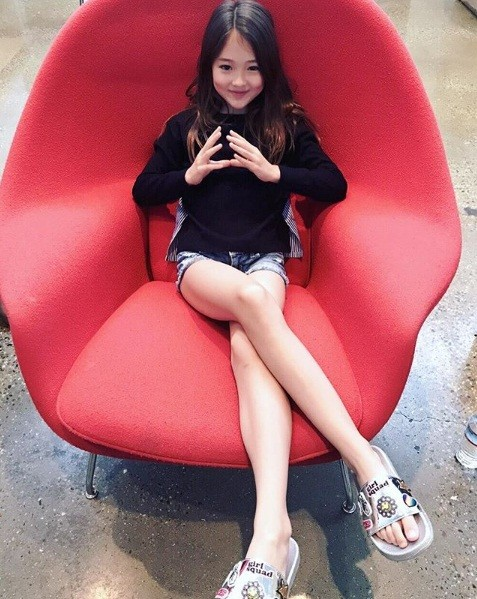 Thiên thần lai 10 tuổi xinh đẹp khiến showbiz Hàn 'dậy sóng' ảnh 15