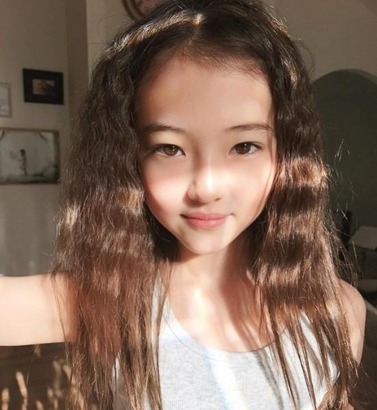 Thiên thần lai 10 tuổi xinh đẹp khiến showbiz Hàn 'dậy sóng' ảnh 12