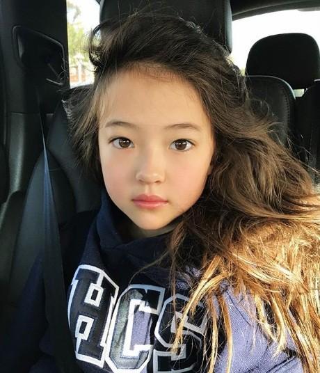 Thiên thần lai 10 tuổi xinh đẹp khiến showbiz Hàn 'dậy sóng' ảnh 14