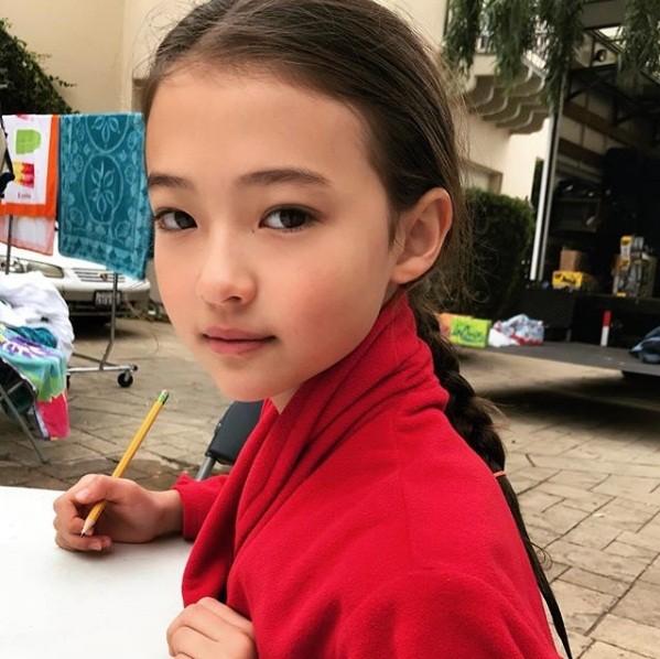 Thiên thần lai 10 tuổi xinh đẹp khiến showbiz Hàn 'dậy sóng' ảnh 18