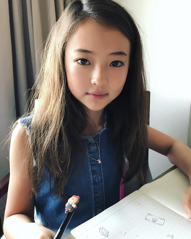 Thiên thần lai 10 tuổi xinh đẹp khiến showbiz Hàn 'dậy sóng' ảnh 20