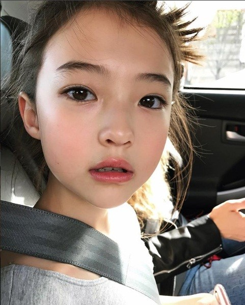Thiên thần lai 10 tuổi xinh đẹp khiến showbiz Hàn 'dậy sóng' ảnh 21