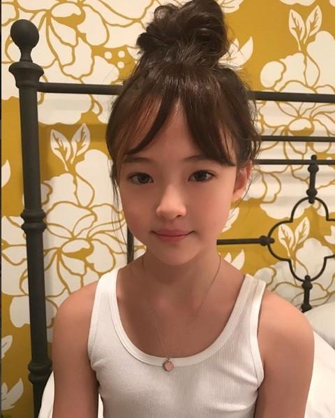 Thiên thần lai 10 tuổi xinh đẹp khiến showbiz Hàn 'dậy sóng' ảnh 22