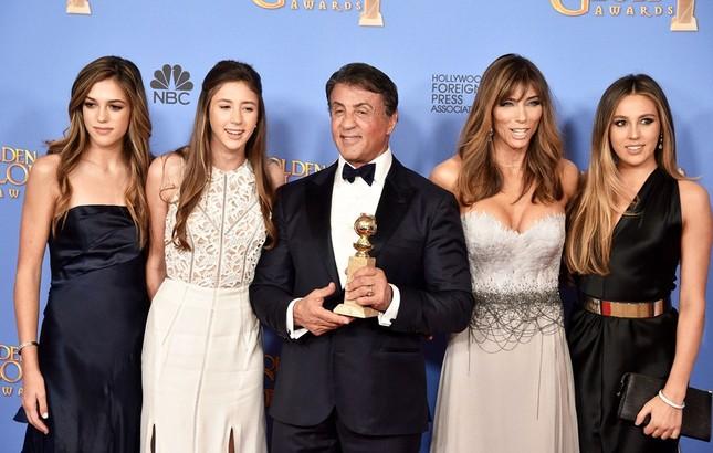 Vợ và con gái 'người hùng cơ bắp' Sylvester Stallone siêu quyến rũ ảnh 9