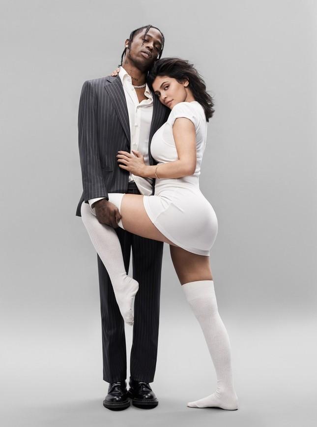 'Phát sốt' khoảnh khắc táo bạo của em út Kim Kardashian bên bạn trai ảnh 2