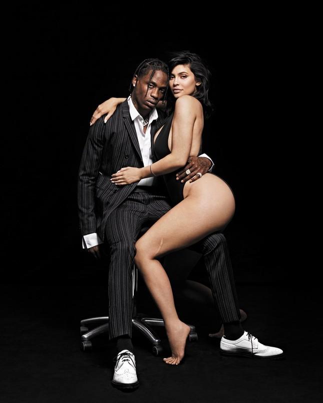 'Phát sốt' khoảnh khắc táo bạo của em út Kim Kardashian bên bạn trai ảnh 10