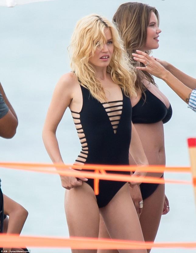 Con gái huyền thoại Rolling Stones hóa thiên thần bikini quyến rũ ảnh 11