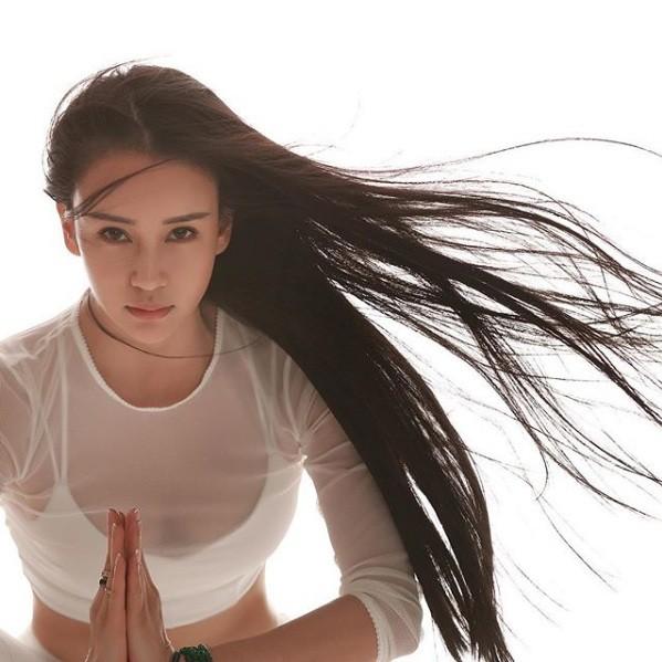 Sắc vóc tuyệt mỹ của nữ huấn luyện viên yoga đẹp nhất châu Á ảnh 13