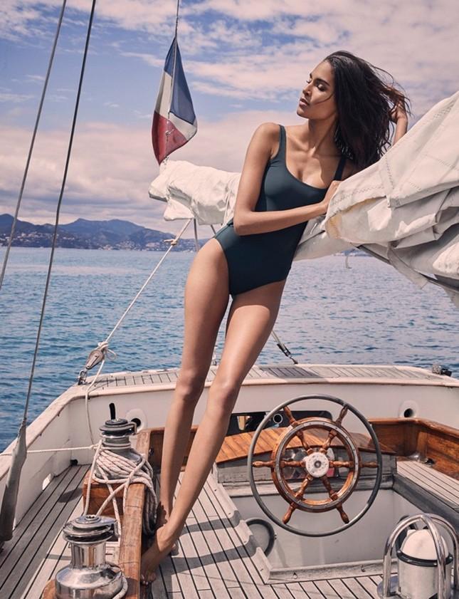 Dáng chuẩn tạc tượng của siêu mẫu Pháp cao 1m80 ảnh 5