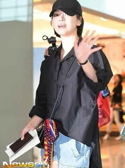 Song Hye Kyo U40 vẫn trẻ trung năng động, giản dị không ngờ ảnh 1