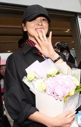 Song Hye Kyo U40 vẫn trẻ trung năng động, giản dị không ngờ ảnh 9