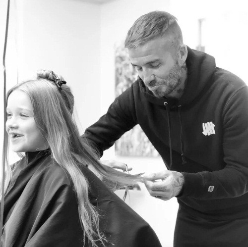 'Công chúa' 7 tuổi nhà Beckham bụ bẫm, tóc ngắn cực dễ thương ảnh 3
