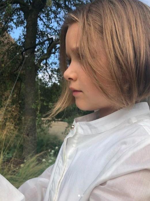 'Công chúa' 7 tuổi nhà Beckham bụ bẫm, tóc ngắn cực dễ thương ảnh 4