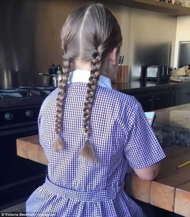 'Công chúa' 7 tuổi nhà Beckham bụ bẫm, tóc ngắn cực dễ thương ảnh 2
