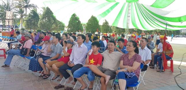 Cổ động viên tiếc nuối khi Việt Nam thua ở loạt penalty ảnh 22