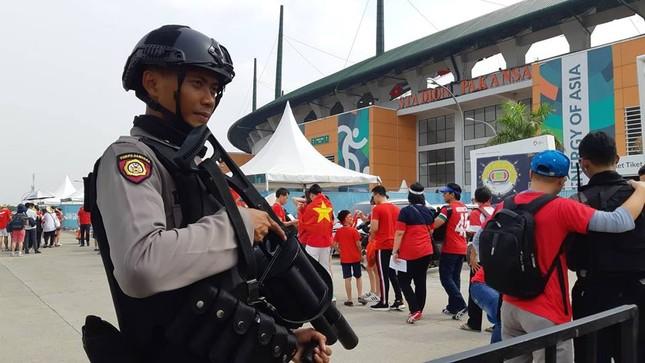 Olympic Việt Nam - UAE: An ninh vào sân vận động được thắt chặt ảnh 2