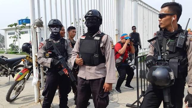 Olympic Việt Nam - UAE: An ninh vào sân vận động được thắt chặt ảnh 5