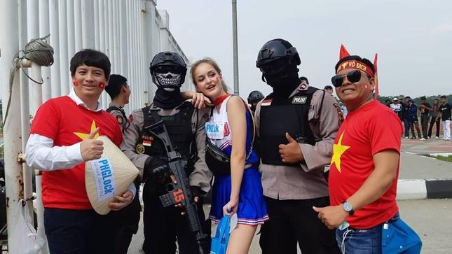 Olympic Việt Nam - UAE: An ninh vào sân vận động được thắt chặt ảnh 6