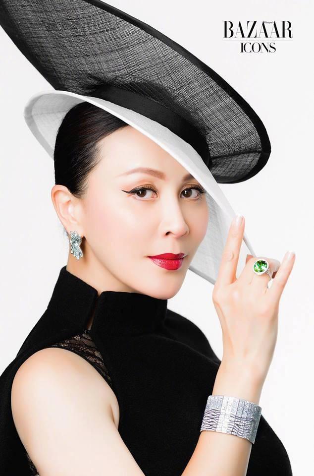 'Nữ hoàng màn ảnh' Hồng Kông Lưu Gia Linh U60 trẻ đẹp rực rỡ ảnh 13