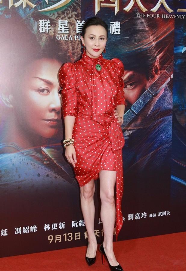 'Nữ hoàng màn ảnh' Hồng Kông Lưu Gia Linh U60 trẻ đẹp rực rỡ ảnh 3