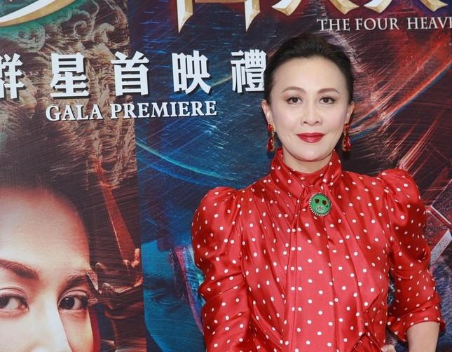 'Nữ hoàng màn ảnh' Hồng Kông Lưu Gia Linh U60 trẻ đẹp rực rỡ ảnh 1