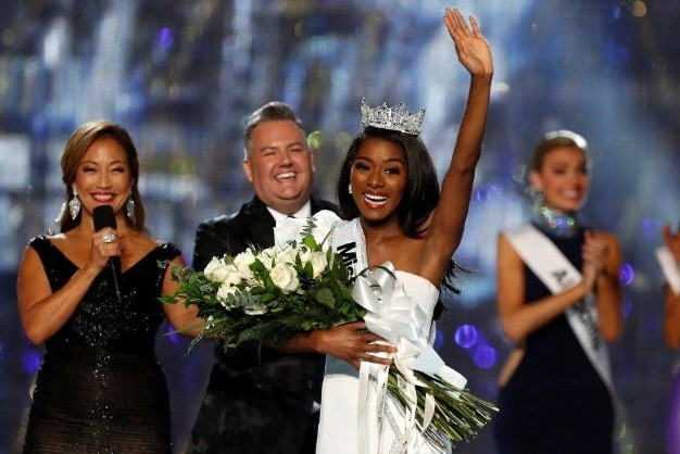 Mỹ nhân da màu 25 tuổi đăng quang Hoa hậu Mỹ 2019 ảnh 4