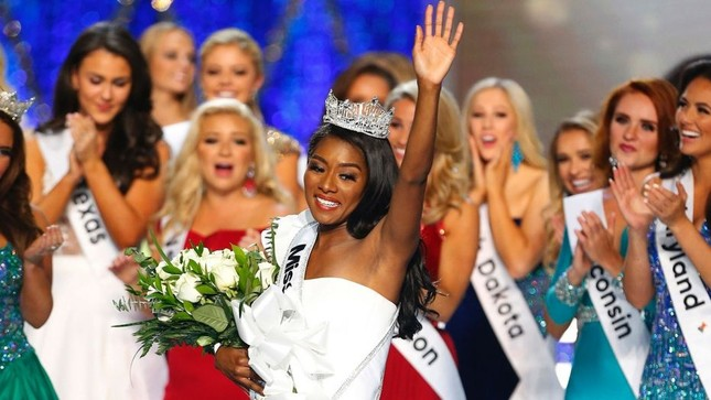 Mỹ nhân da màu 25 tuổi đăng quang Hoa hậu Mỹ 2019 ảnh 2