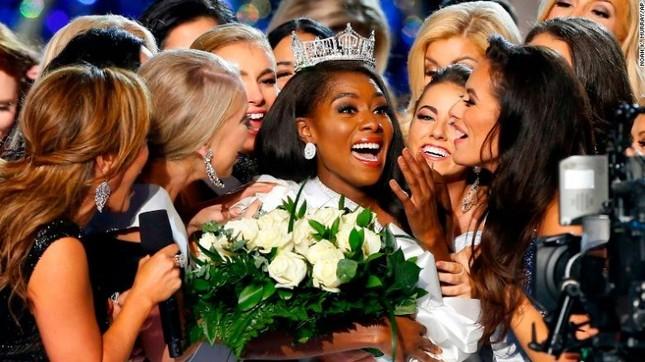 Mỹ nhân da màu 25 tuổi đăng quang Hoa hậu Mỹ 2019 ảnh 3