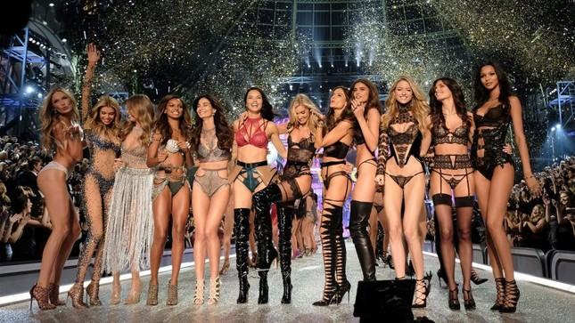 Những 'chân dài' nào sẽ góp mặt trong show Victoria's Secret 2018? ảnh 1