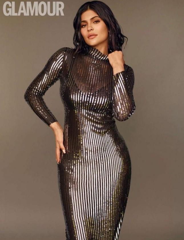 Kylie Jenner tung ảnh áo tắm cực 'hot' với dáng 'đồng hồ cát' ảnh 11