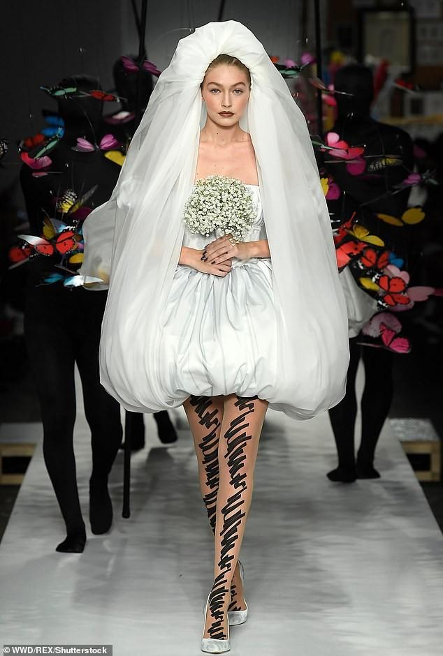 Gigi Hadid hoá cô dâu, Bella lộ ngực, Kendall thả dáng hoàn hảo ảnh 10