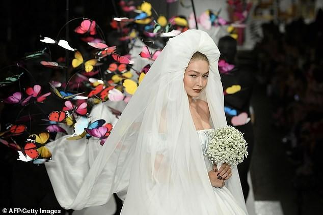 Gigi Hadid hoá cô dâu, Bella lộ ngực, Kendall thả dáng hoàn hảo ảnh 11