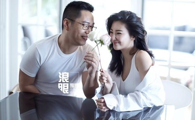 'Mỹ nhân ngư' Trương Vũ Kỳ cãi vã, xô xát khiến chồng bị thương ảnh 1
