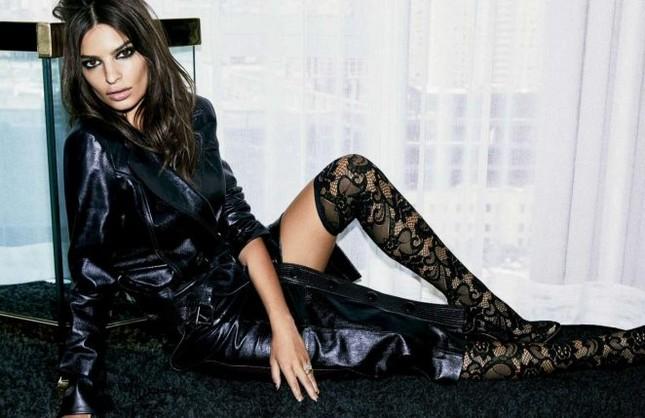 'Mỹ nữ mặc bikini đẹp nhất' quyến rũ với phong cách đen tuyền hút mắt ảnh 3
