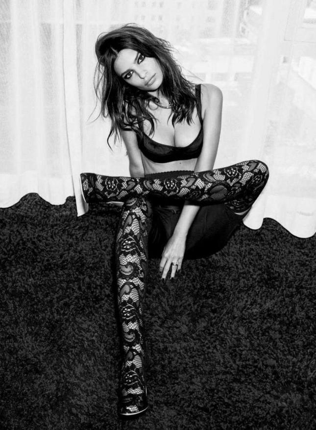 'Mỹ nữ mặc bikini đẹp nhất' quyến rũ với phong cách đen tuyền hút mắt ảnh 5