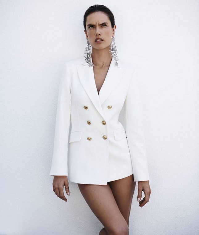 Dáng thon hoàn hảo của mỹ nhân xứ Samba Alessandra Ambrosio ảnh 6