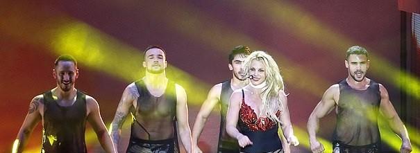 Britney Spears béo ú, eo 'bánh mì' vẫn mê mặc nội y diễn bốc lửa ảnh 10