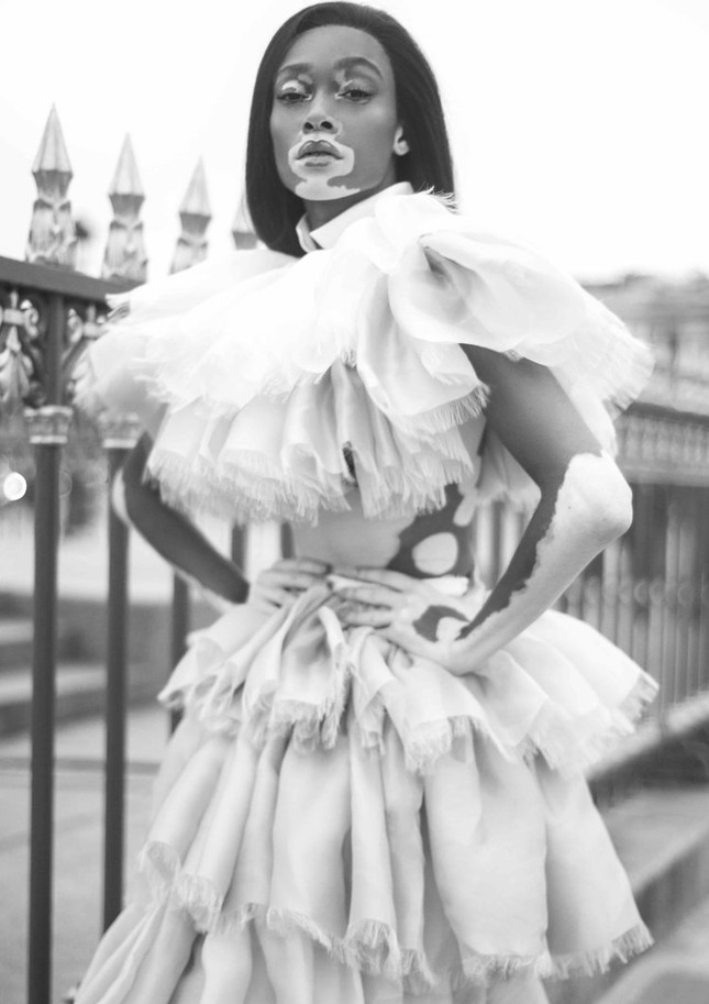 Nàng 'tân binh' Victoria's Secret dáng vóc hoàn hảo ở Paris ảnh 6