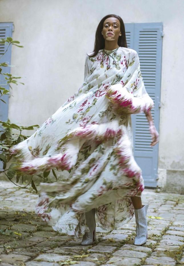 Nàng 'tân binh' Victoria's Secret dáng vóc hoàn hảo ở Paris ảnh 11