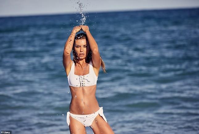 Siêu mẫu Anh Abbey Clancy dáng chuẩn 'vạn người mê' ảnh 1