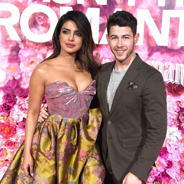 Sắc vóc quyến rũ ngất ngây của hoa hậu thế giới Priyanka Chopra ảnh 11