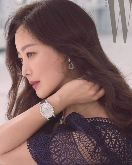 'Đệ nhất mỹ nhân xứ Hàn' Kim Hee Sun trẻ đẹp khó đoán tuổi ảnh 11